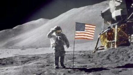 Стала известна дата высадки американцев на Луну