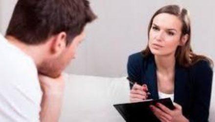 Психологи назвали правила гармоничного общения с пожилыми родителями
