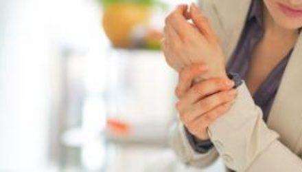 Медики подсказали, как унять боль при артрите
