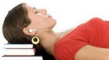 Ученые: человек способен запоминать новые слова во сне