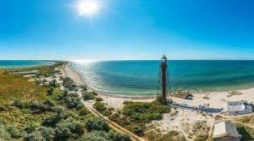 В поисках дикой природы и чистого моря: почему стоит поехать на остров Джарылгач