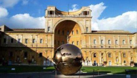 В музеях Ватикана хотят ограничить посещения: названа причина