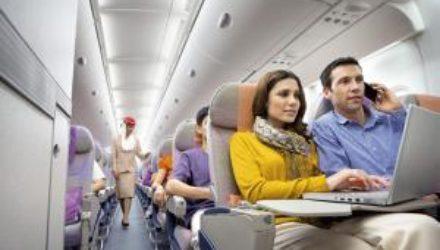 Названа самая удобная одежда для путешествий в самолете