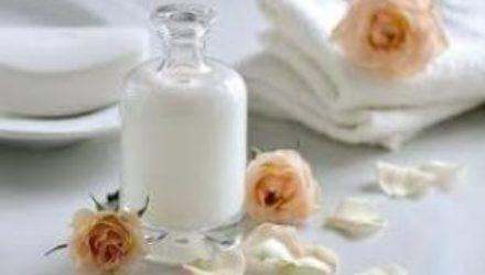 Молоко в косметике: чем полезно и кому подойдет