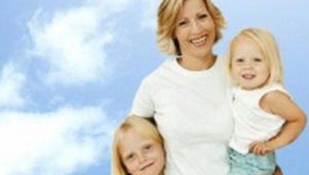 Почему родители излишне опекают своих детей: к чему это приводит