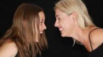 5причин научиться смеяться надсобой