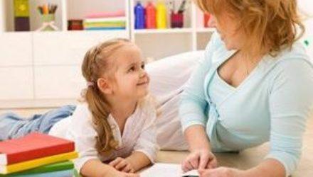 Как выбрать няню для ребенка: основные советы
