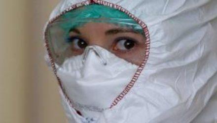 Полмиллиона жителей Уханя могли заболеть коронавирусом