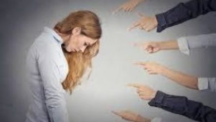 Здоровый и токсичный стыд: чем отличаются и как с ними работать