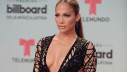 Идеальная фигура: как Дженнифер Лопес удается быть всегда в форме