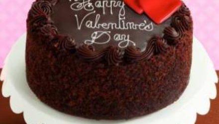Как испечь простой шоколадный торт на День святого Валентина