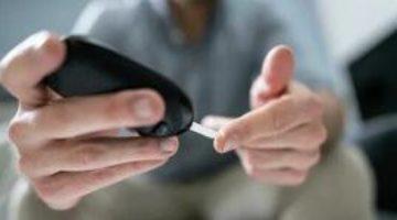 Больше никаких проколов: ученые разработали устройство, определяющее уровень глюкозы в крови по поту