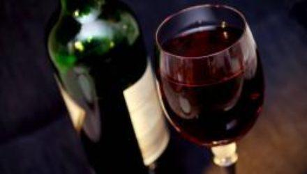 Развенчаны популярные мифы о пользе вина